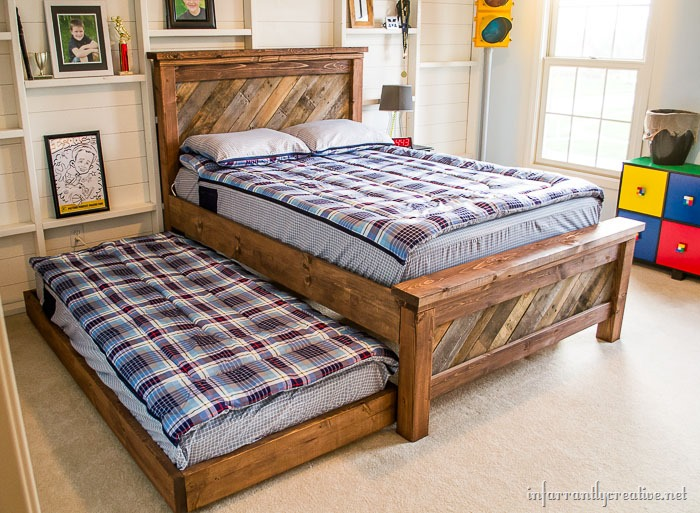 DIY Farmhouse Pallet Bed with Rolling Trundle Bed