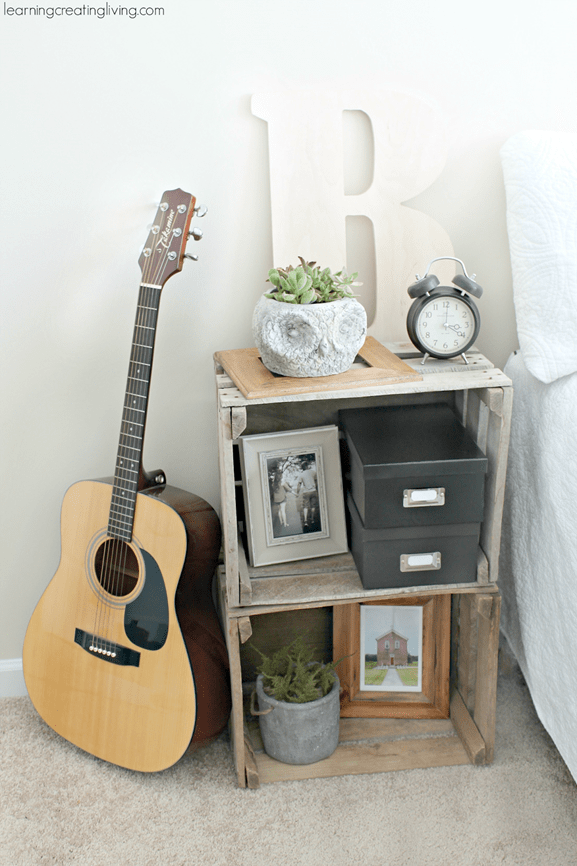 DIY Furniture ~ Make a simple nightstand by stacking two crates together!