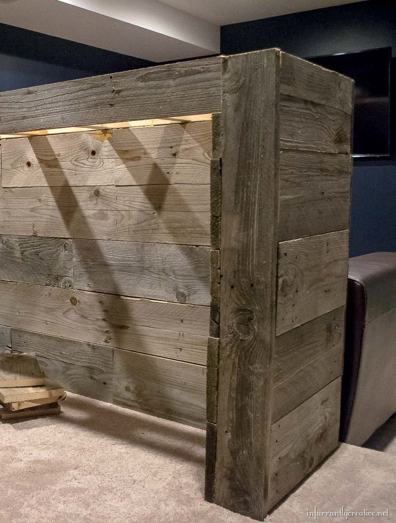 diy bar. building a reclaimed wood bar Man Cave Wood Pallet Bar  Free DIY Plans Infarrantly Creative