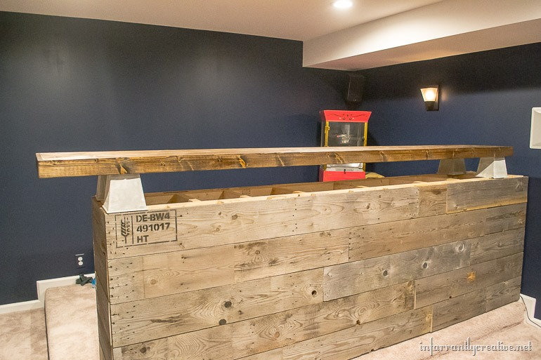 Man Cave Wood Pallet Bar