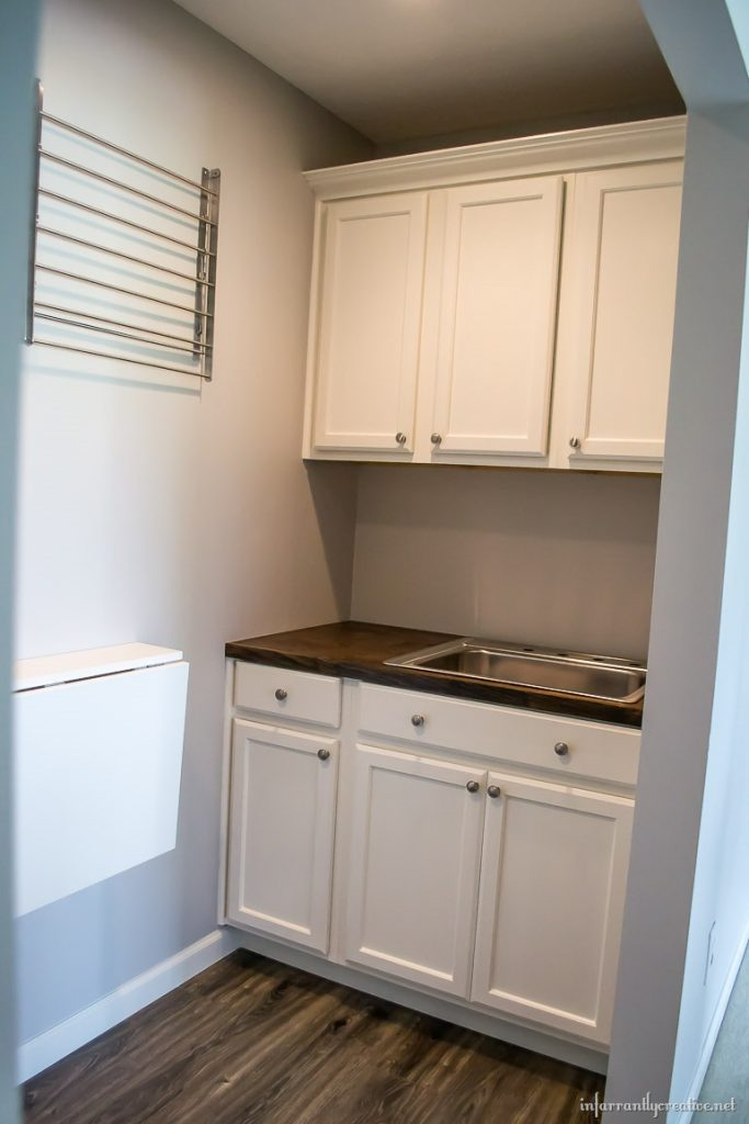 Laundry Room Cabinets {Small Space Laundry Room Area} on Small Laundry Room Cabinets  id=78718