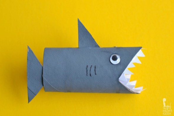 Make this fun shark craft from upcycled toilet paper tubes!