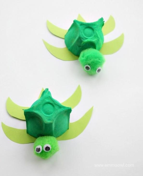 Your kids will love this fun craft that turns egg cartons into adorable sea turtles!