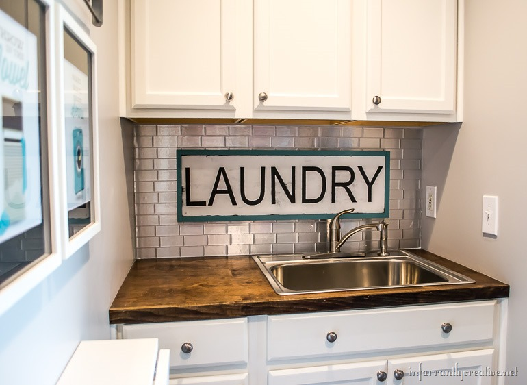 vintage-laundry-sign