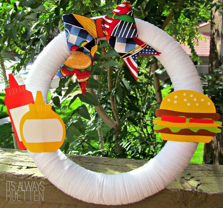 DIY-Labor-Day-Wreath