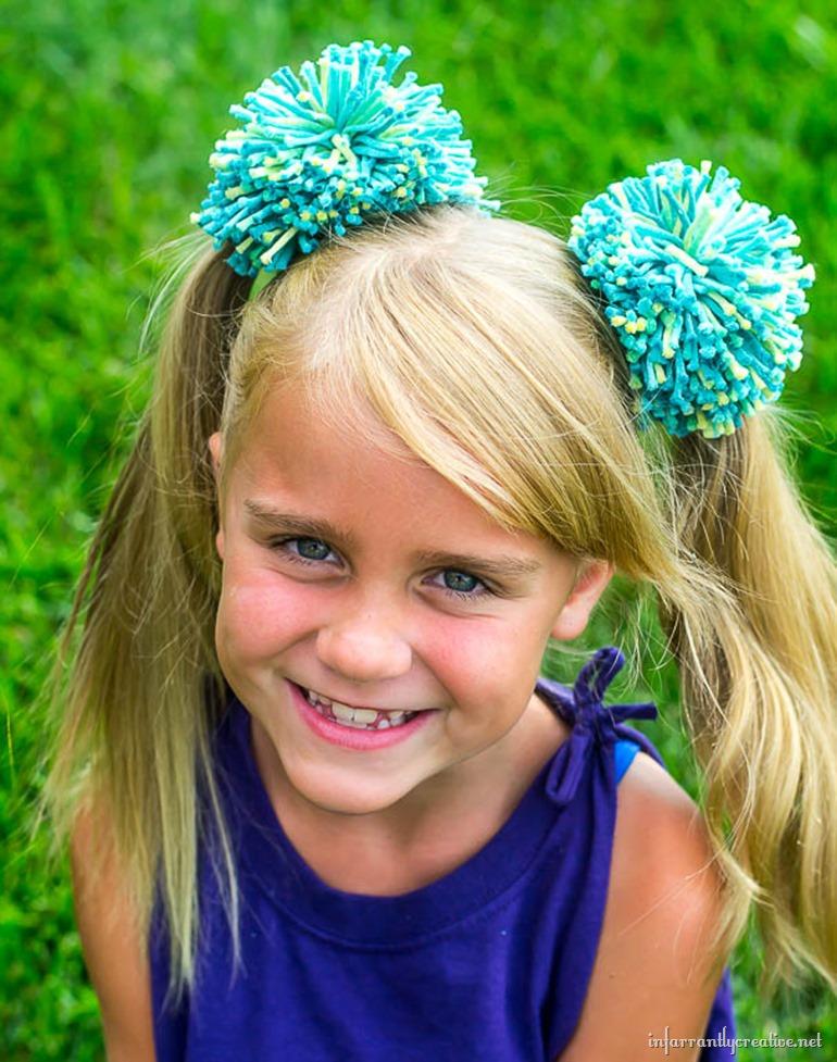 girl-pom-pom-hair-acccesories