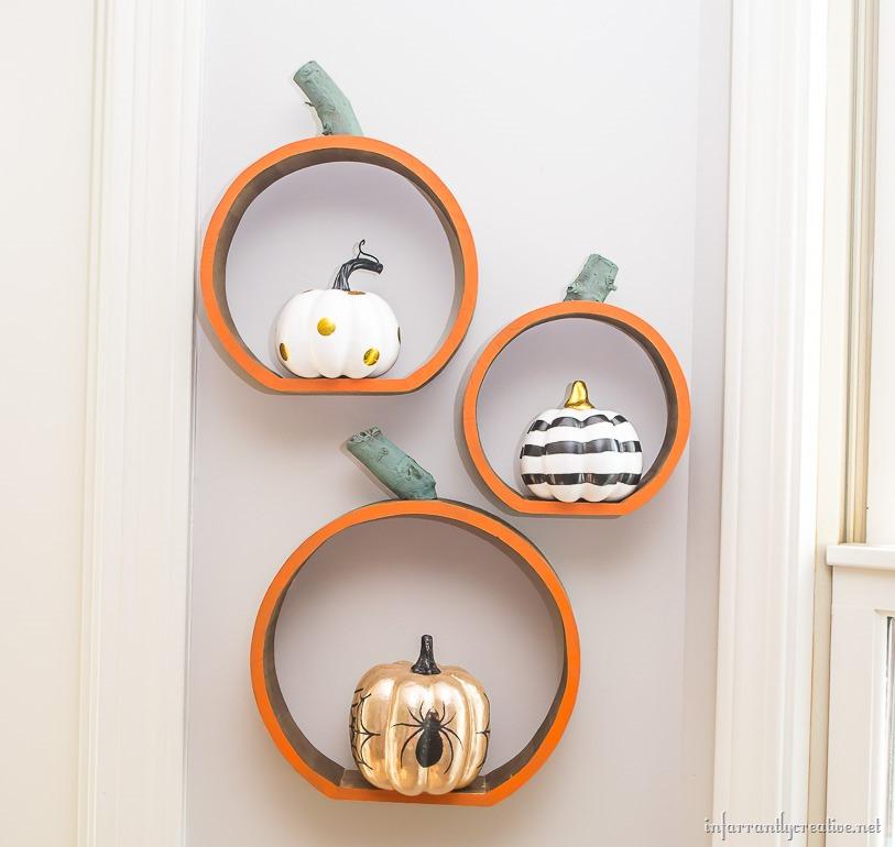 pumpkin-shelves-hanging