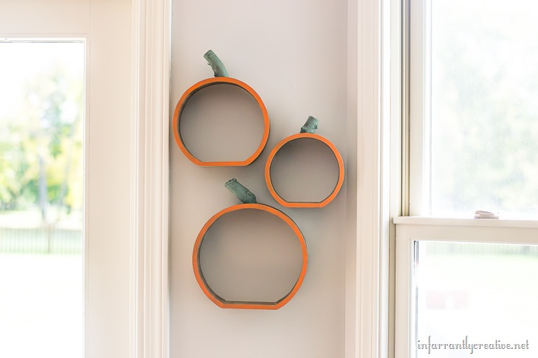 trio-of-pumpkin-shelves