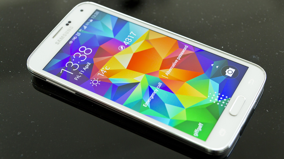 Samsung Galaxy S5 Fingerprint Scanner hacked, just like
