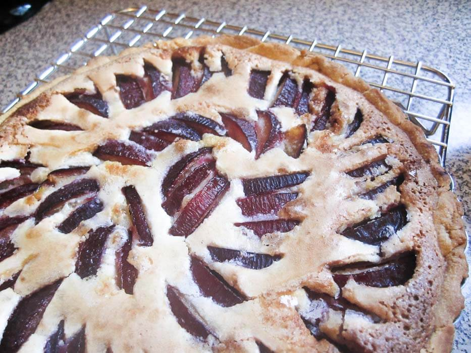 Plum Almond Tart | www.infinebalance.com #recipe