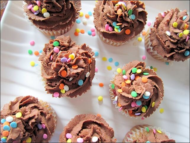 chocolate-cupcakes_thumb.jpg
