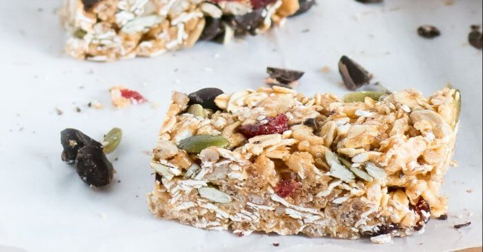 Cranberry and Dark Chocolate Snack Bars | www.infinebalance.com #vegan #kidfood