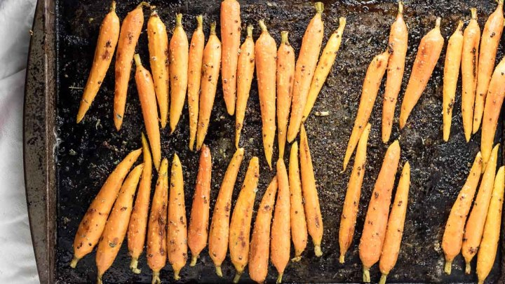 roasted carrots fresh out of the oven with maple glaze ready for serving