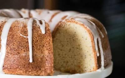Pretty Lemon Poppy Seed Cake
