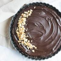 No-Bake Chocolate Peanut Butter Tart {Vegan}