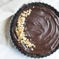 No-Bake Chocolate Peanut Butter Tart {Vegan}
