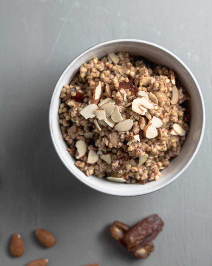 buckwheat breakfast cereral with almonds and dates