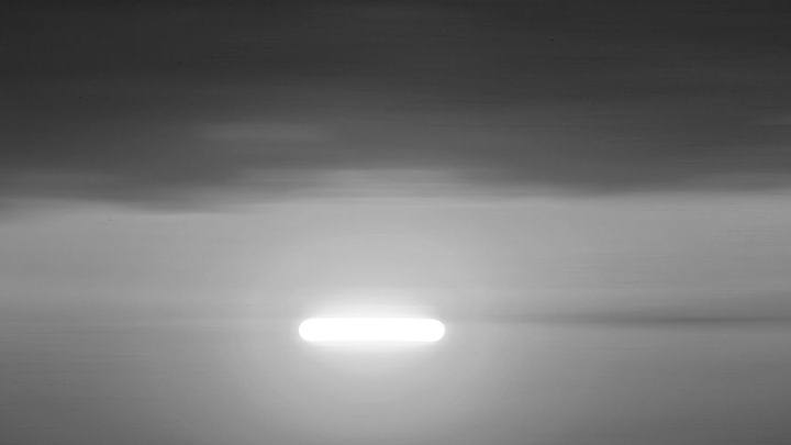 FBI confirms the report of long and cylindrical UFO spotted by pilots over New Mexico