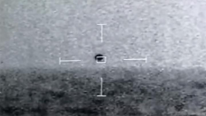 US Navy Video Shows A UFO Hovering And Escaping Under The Water