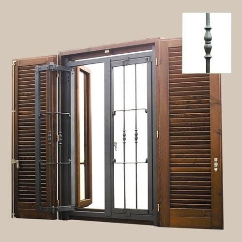 Inferriata per finestra su misura installata a Cremona