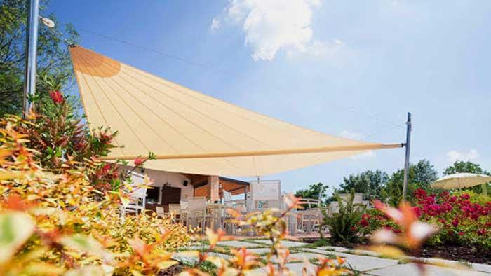 Tenda da sole a vela casa indipendente provincia di Como