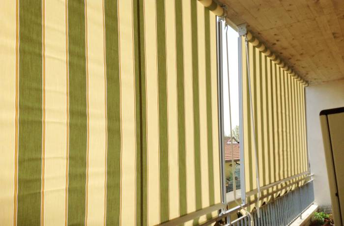Tende da sole a caduta in un condominio in provincia di Sondrio