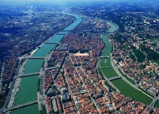 Vue arŽrienne du Rhô™ne dans sa traversŽe de Lyon