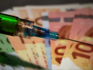 Es ist unklar, wer von einer generellen Impfpflicht finanziell oder anders am meisten profitiert.