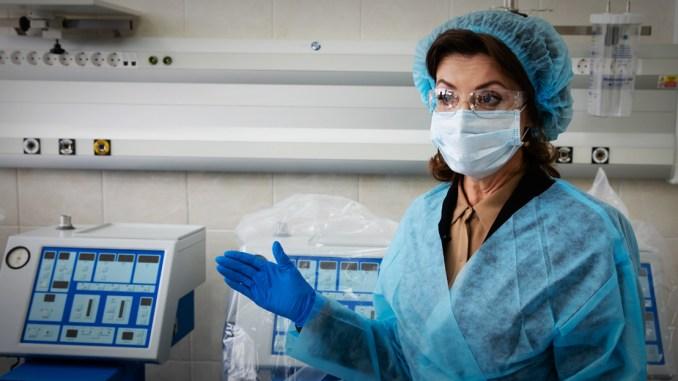 Die US-Behörde CDC hat die Art, Corona-Tote zu Zählen überraschend geändert.