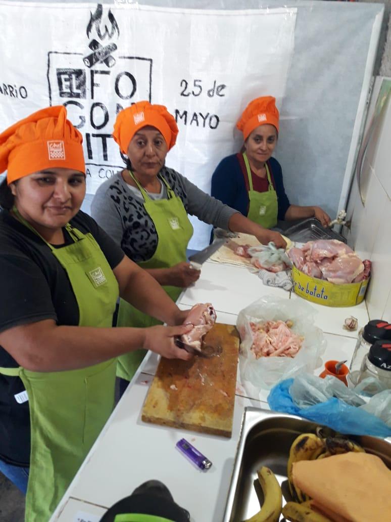 """Inauguraron """"El Fogocinto"""" en el barrio 25 de Mayo, con un menú de $30"""