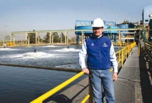 Superintendente de Metalurgia y Laboratorio Químico Roberto Montero en la Planta de Filtros donde se extrae el agua del concentrado y se la somete a un proceso de purificación, previo a su descarga.