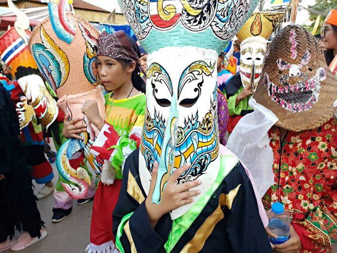 Phi Ta Khon : festival folklorique des fantômes