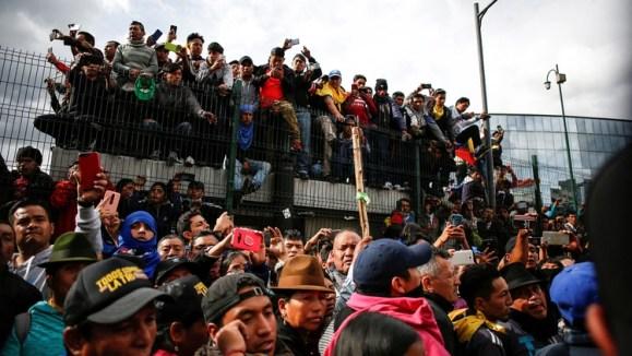 Los manifestantes bloquean rutas de todo el país (Reuters)