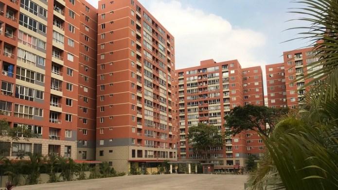 Zona residencial dentro del Fuerte Tiuna, una de las instalaciones militares más extensas de la ciudad (Veda Everduim)
