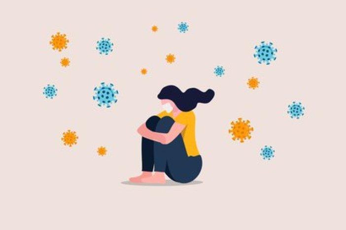 Las prácticas de aislamiento deben iniciarse con el inicio de los primeros síntomas, que pueden incluir síntomas leves y atípicos, síntomas típicos anteriores del COVID-19 como tos y fiebre (Shutterstock)