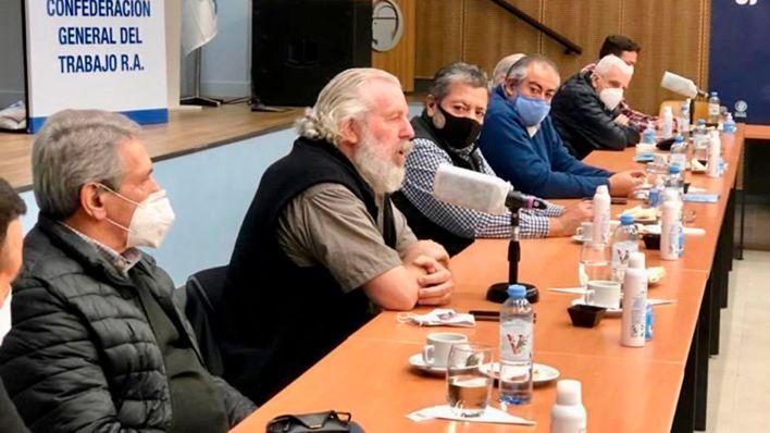 La CGT recibió a los movimientos sociales en la sede de la UOCRA