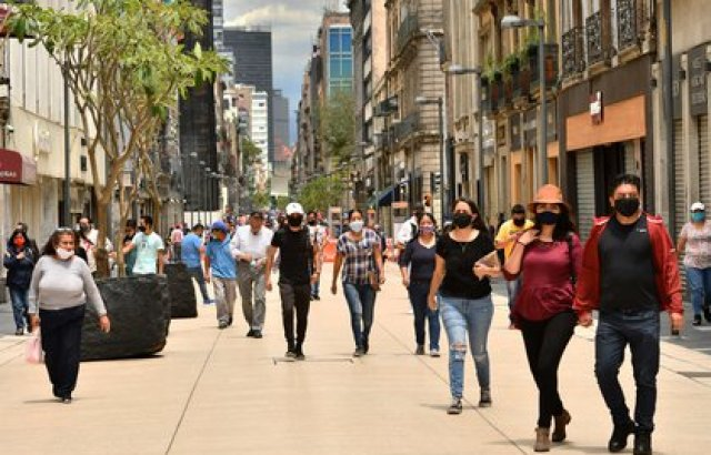 En México se han reportado más de 200 mil muertes a causa de COVID-19. EFE/Jorge Núñez