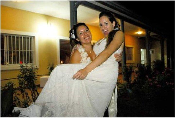 Se casaron de blanco tras la sanción de la ley de matrimonio igualitario