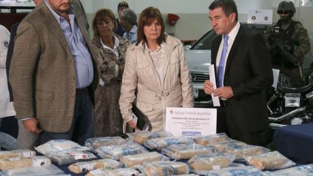 La ministra Bullrich en uno de los operativos antidrogas del conurbano (NA)