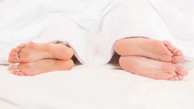Un tercio de las mujeres afirmó que comienza a sentir falta de interés luego de un año (iStock)
