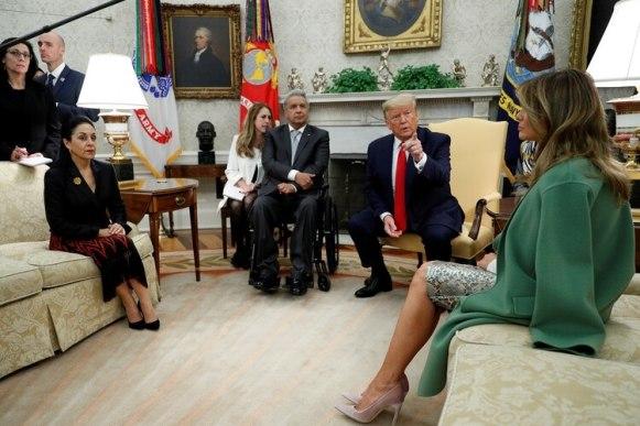 Trump y Moreno junto a las primeras damas de ambos países, Melania Trump y Rocío González, respectivamente. Foto: Reuters/Tom Brenner