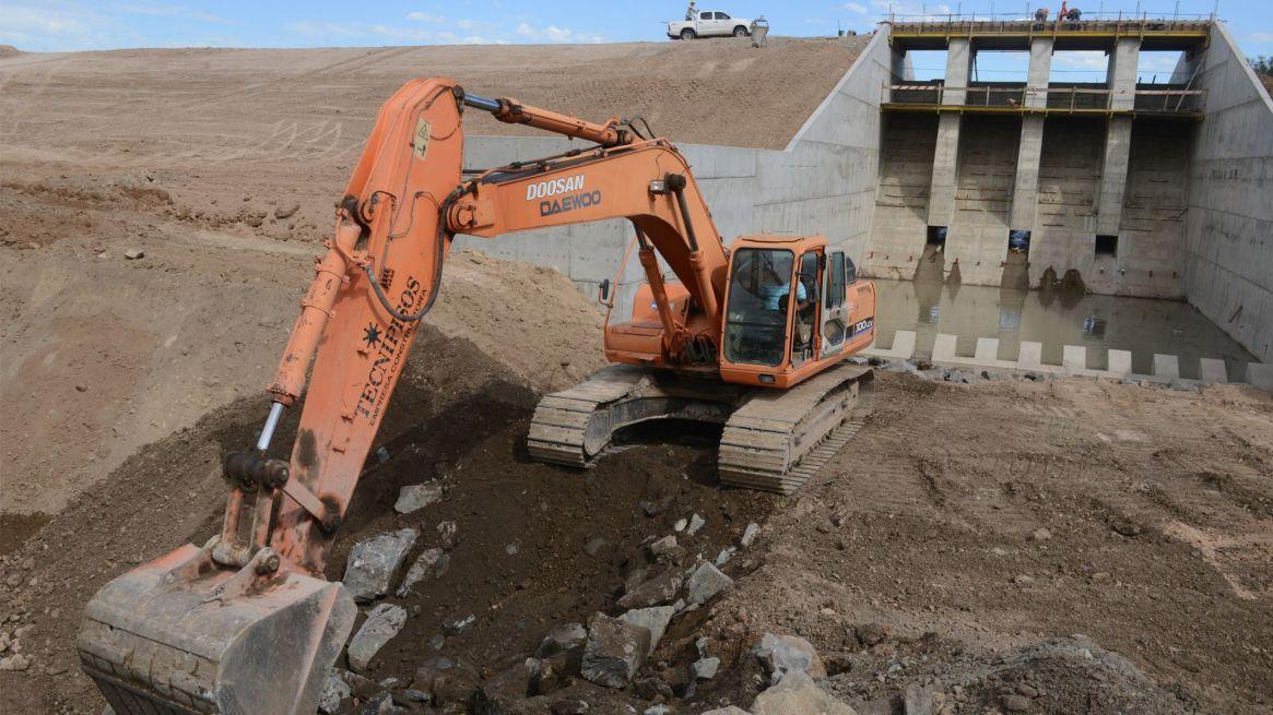 Las obras de ingeniería no son la única solución a los problemas hídricos. Foto: Fernando Calzada.