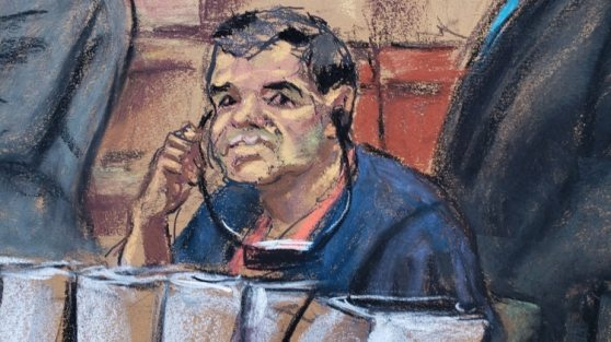 """Dibujo de """"El Chapo"""" Guzmán en pleno juicio (Foto: EFE)"""