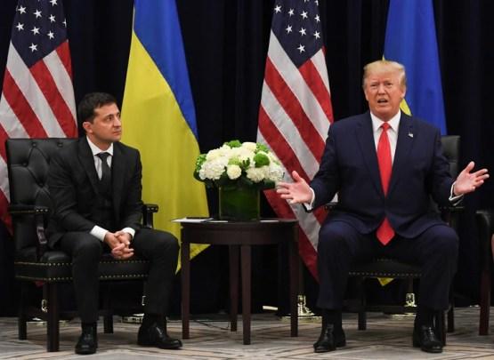 Donald Trump junto a Volodimir Zelensky durante una reunión en Nueva York al margen de la Asamblea de las Naciones Unidas, el 25 de septiembre pasado (Photo by SAUL LOEB / AFP)