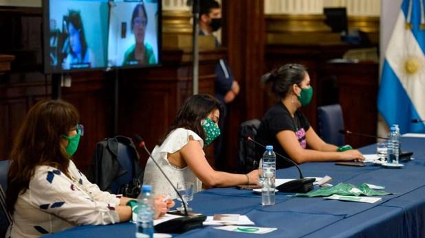 sergio-massa-se-reunio-con-militantes-pro-aborto-diputados