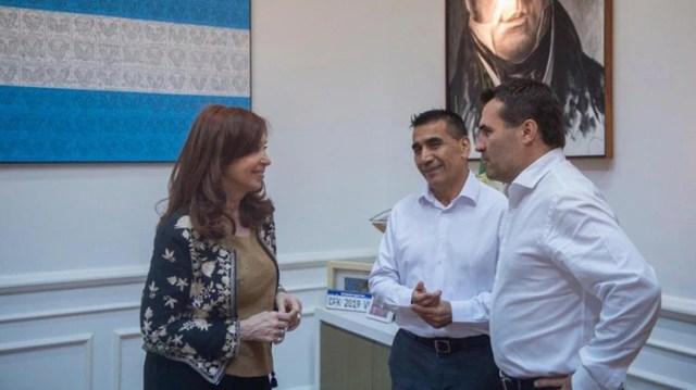 Cristina Kirchner junto al candidato a gobernador de Neuquén Ramón Rioseco que salió segundo