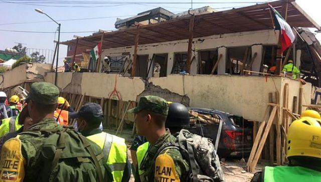 El Colegio Rébsamen colapsó tras el terremoto en Ciudad de México (AFP)