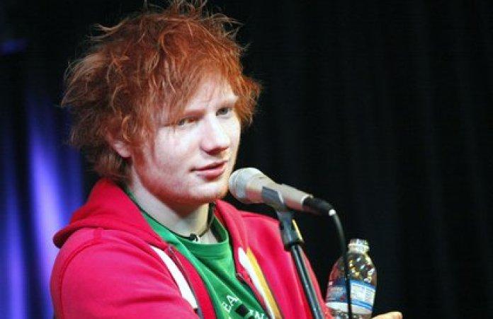 Ed Sheeran se la pasaba de fiesta en cada presentación en diferentes países y no se dio cuenta al principio que el consumo de alcohol ya era una adicción, además considera que su amor por la comida también lo llevó a perder los límites Foto: (Shutterstock)