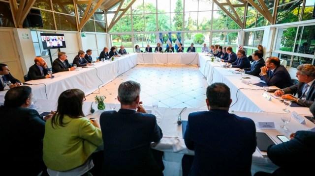 Los gobernadores, reunidos en la quinta de Olivos con el presidente Alberto Fernández y los principales funcionarios del gabinete, antes de la explosión de la pandemia del coronavirus