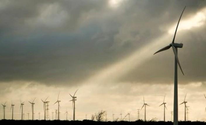 """El amparo tendrá """"efectos generales"""" y no sólo protegerá a los amparados, sino que genera el freno de una política energética federal (Foto: Mario Martínez/ EFE)"""